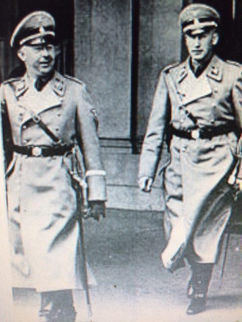 写真  左ヒムラー   右ハイトリッヒ