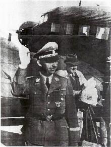 写真( 左ヒムラー  右ケルステン)